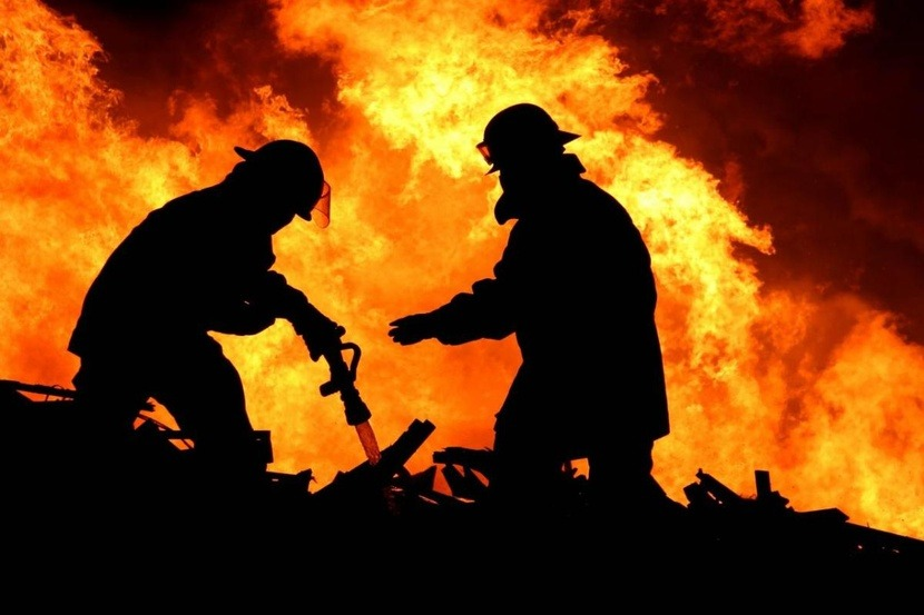 В Красноярском крае потушили крупный пожар на рыбозаводе